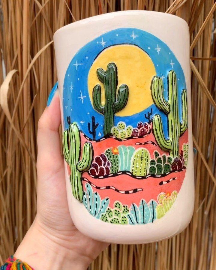 🌵🌞🌵 . . . . . #seramik #elyapımı #sıraltı #bardak #vazo #kaktus #pottery #handmade #underglaze #underglazepainting #cup #vase #cactus #desert #instapottery #potterylove #potterydesign #shamrocktasarim