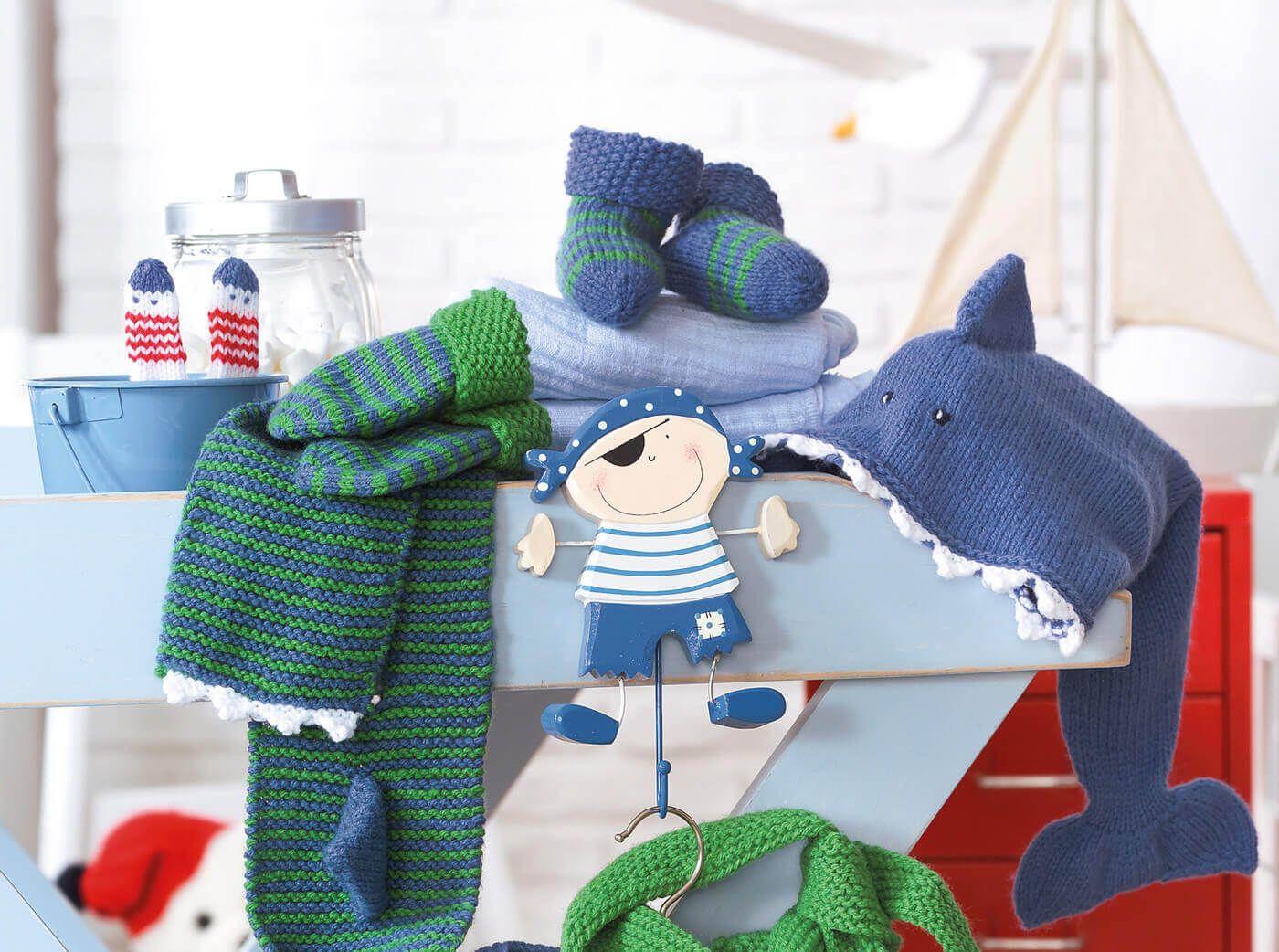 Kinder Set Mit Steckschal Fäustlingen Und Socken Baby Pinterest