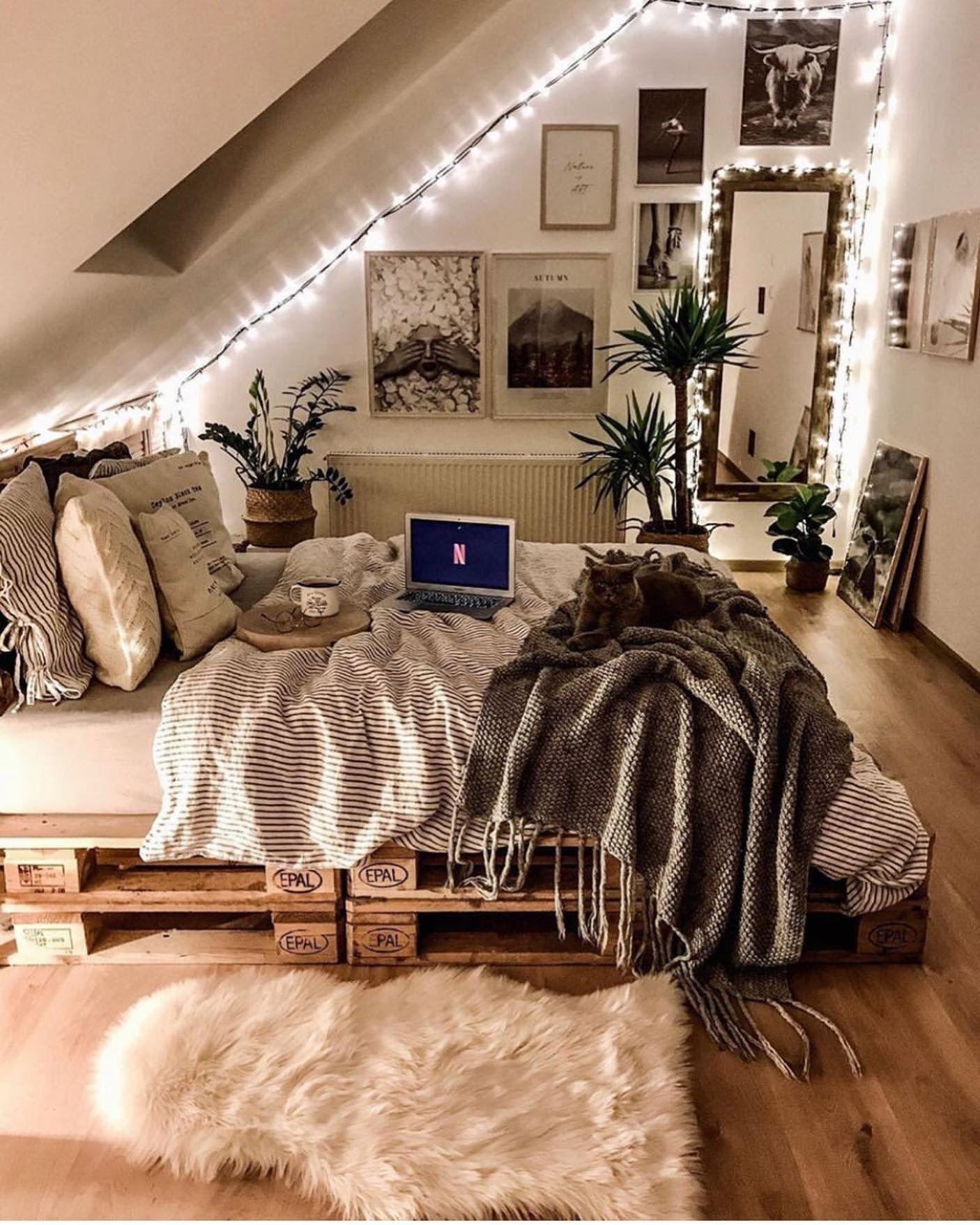 Idée décoration   Idées déco chambre cocooning, Idée déco chambre ...