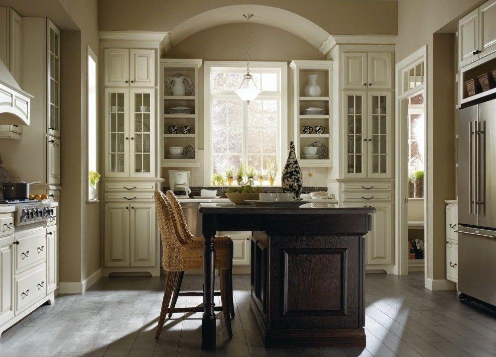 Plaza maple amaretto creme oak chocolate kitchen by for Thomasville cabinets