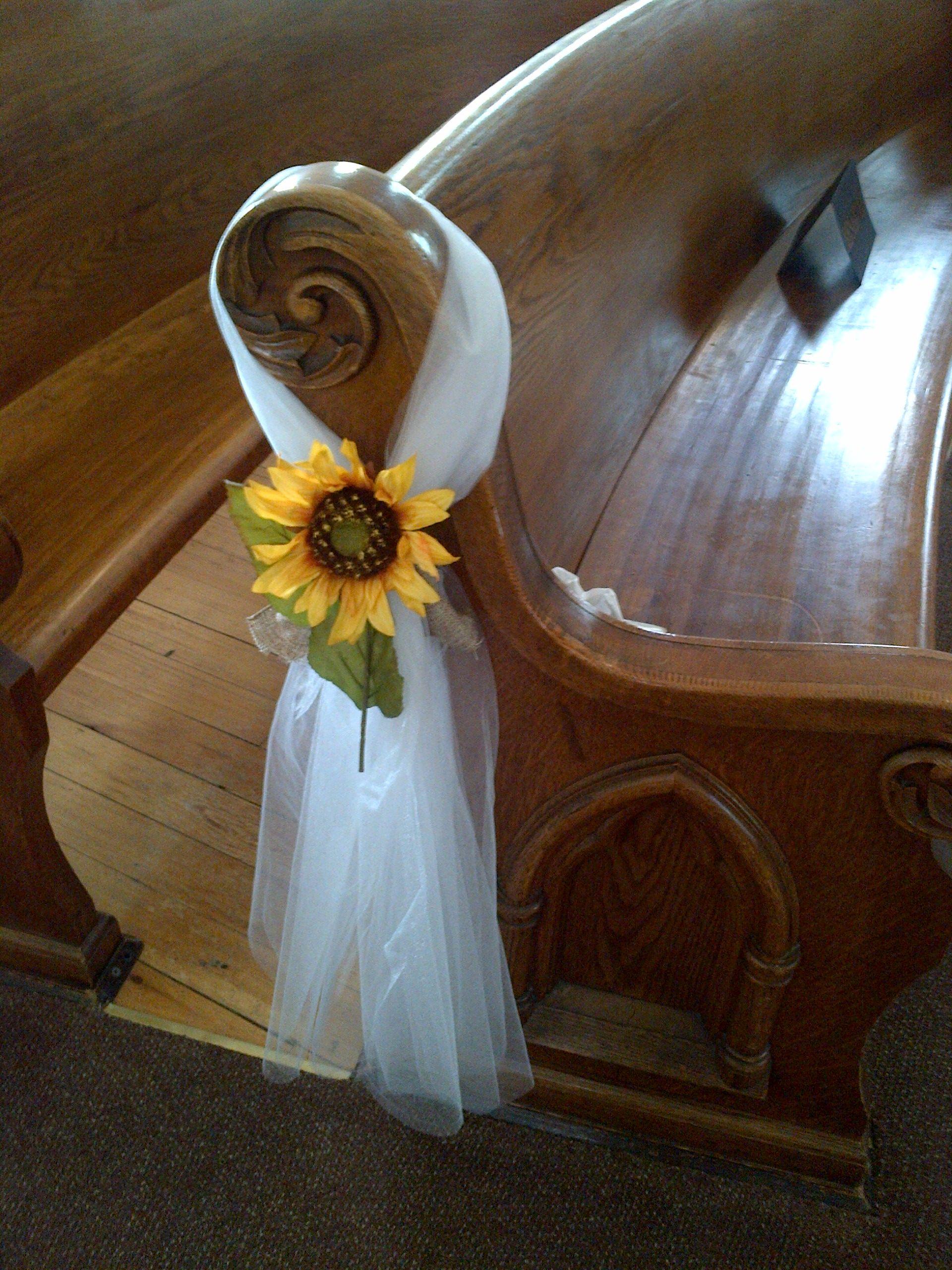 Sunflower pew bow Sunflower wedding, Wedding ceremony