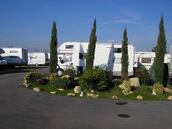 Parking Le Terrazze Di Roma Rm Giropercampeggi It