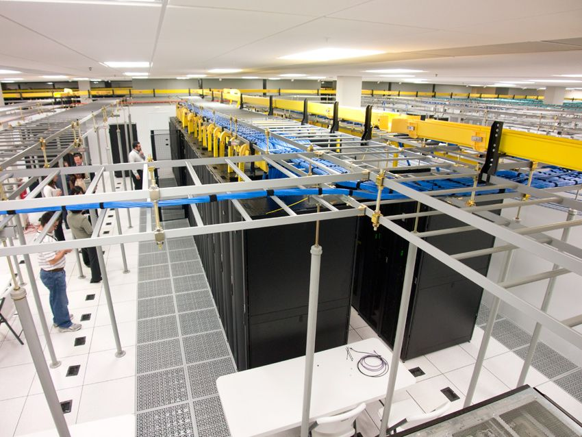 Raised Floor Is Important Component Of Server Room And Data Center - Data center raised floor weight limits