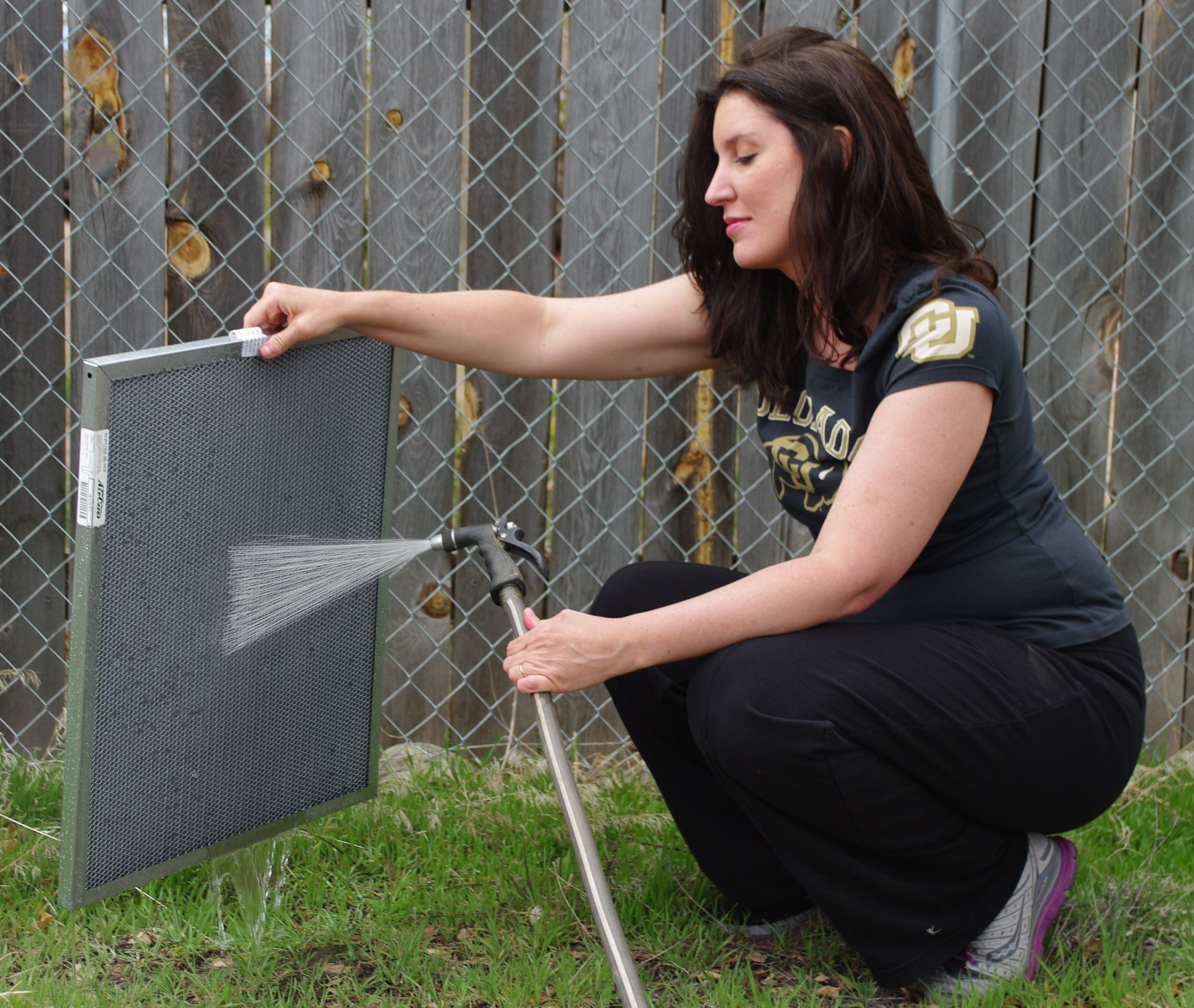 How to Clean an Electrostatic Filter For the Home