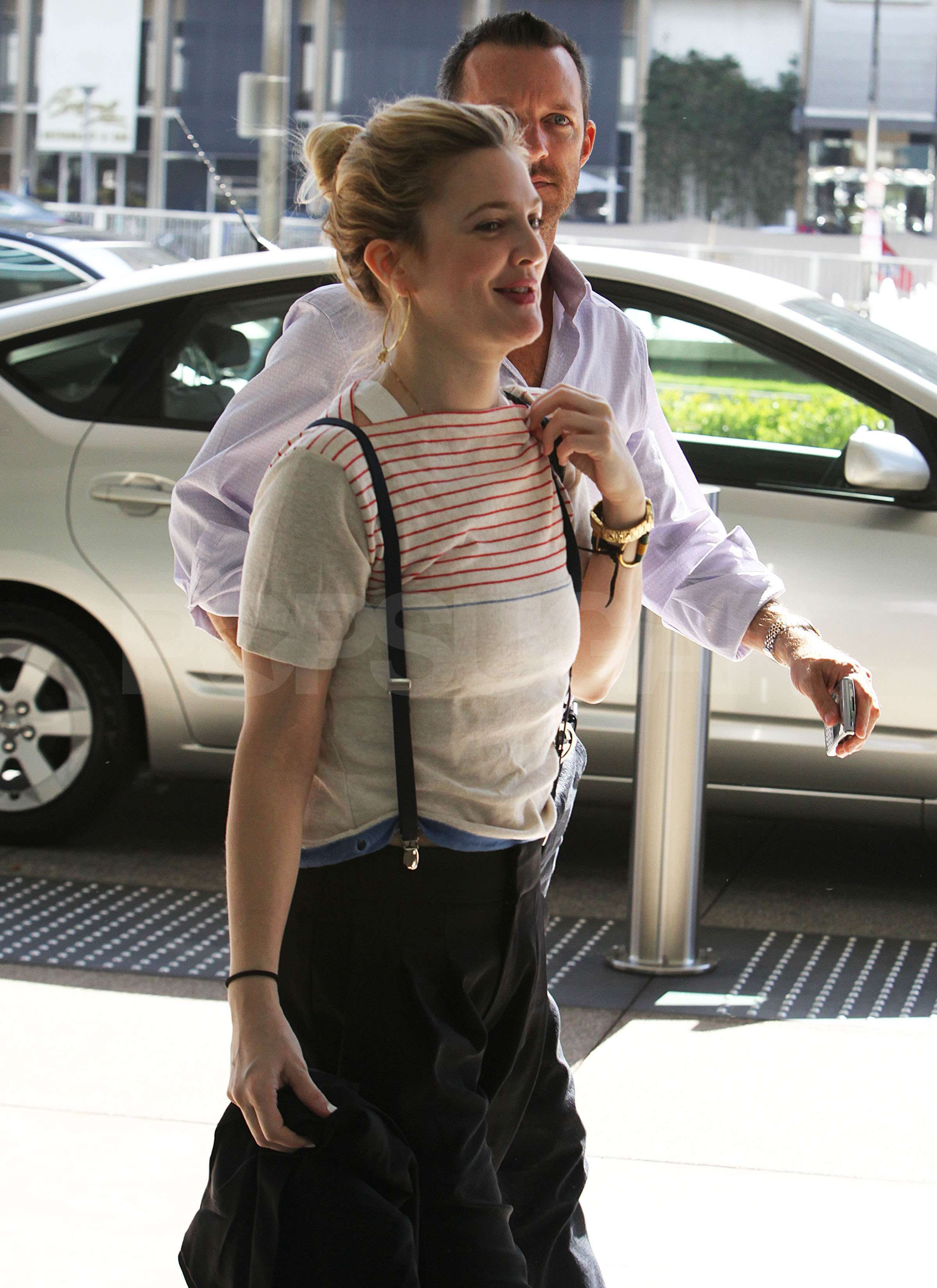 Drew Barrymore changed her pants for men 09/04/2010 30