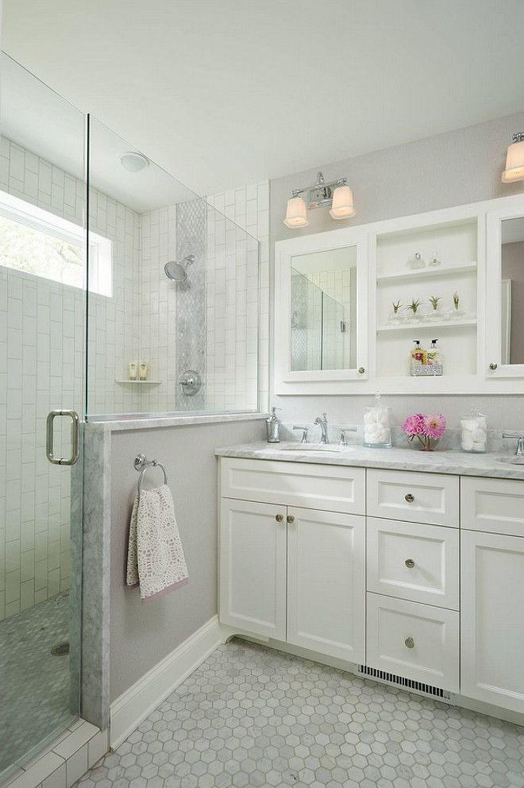 43 Best Small Master Bathroom Remodel Ideas | Master bathroom ...