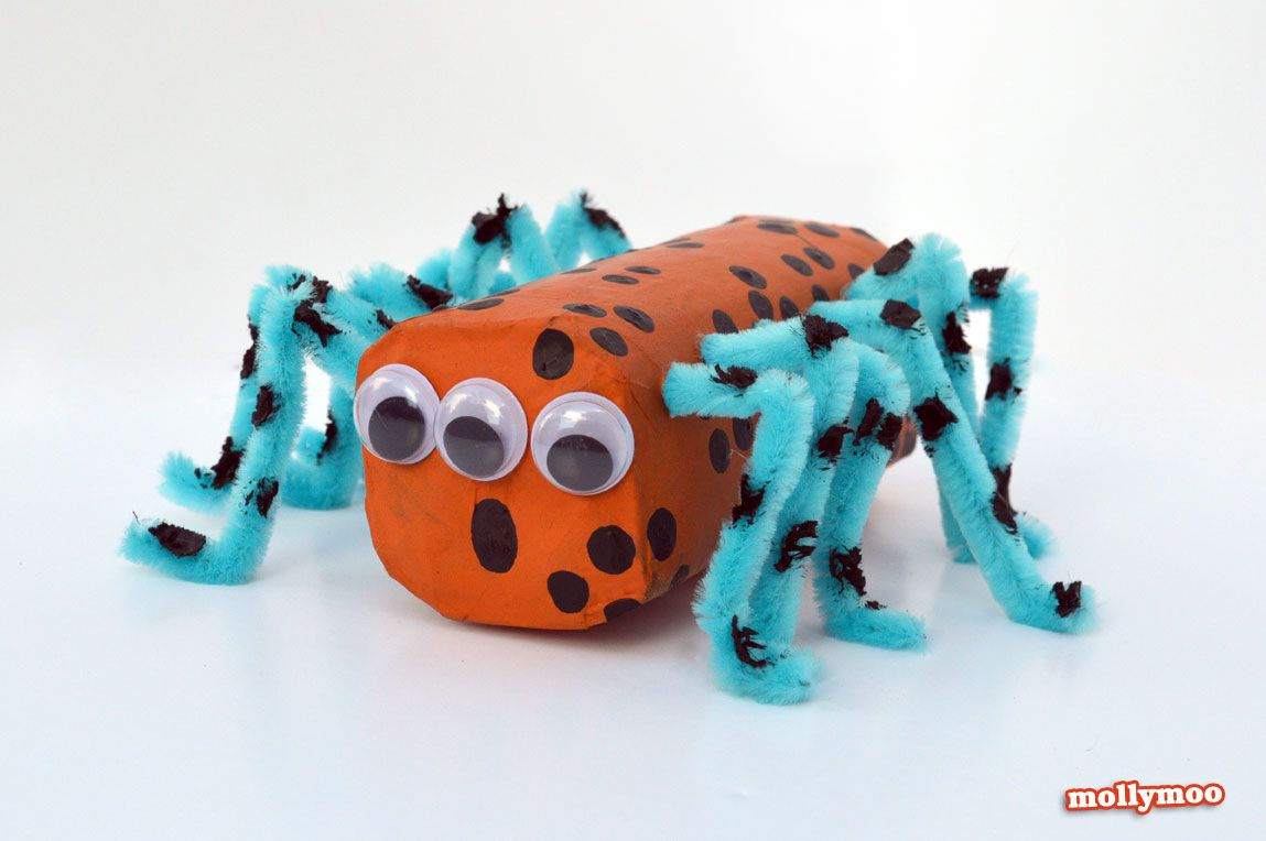 Halloween decorations to make out of paper - Halloween Crafts For Kids Toilet Roll Spiders