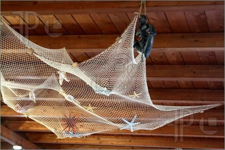 Fishnet on ceiling pirate bathroom pinterest for Fish net decoration ideas