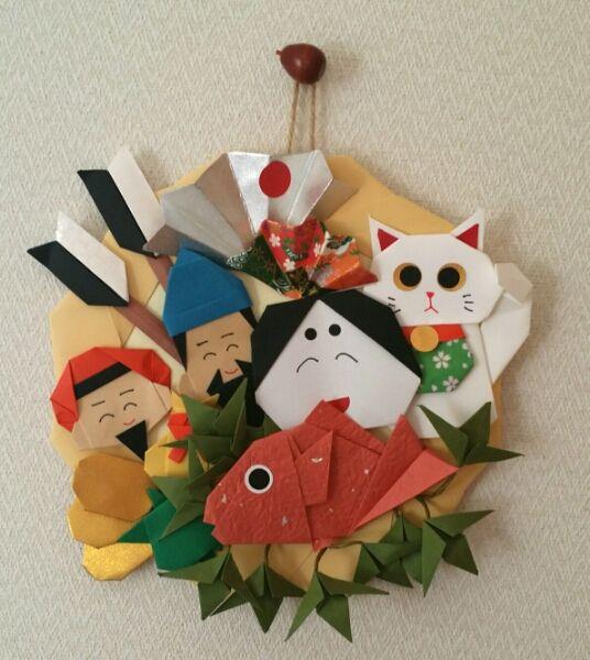 折り紙 リース 正月 くまで風 壁面飾り 保育園