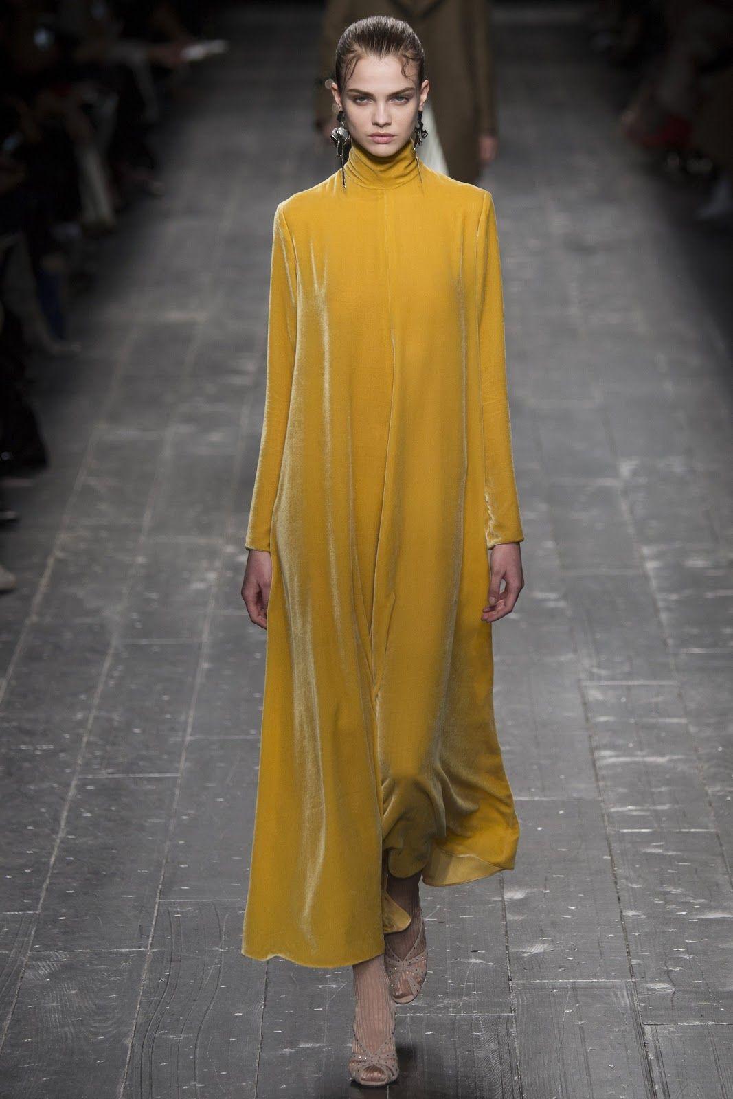 En Son Moda Trendleri: Sonbahar Kış Elbiseleri