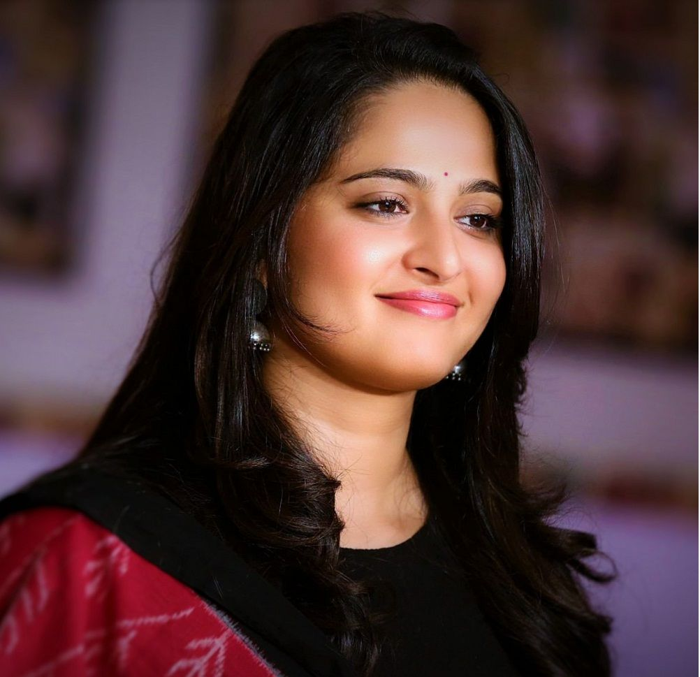 22 Unseen Anushka Shetty Hot Photos, Actress Bikini -9977