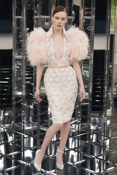 See the complete Chanel Spring 2017 Couture collection. www.vogue.com