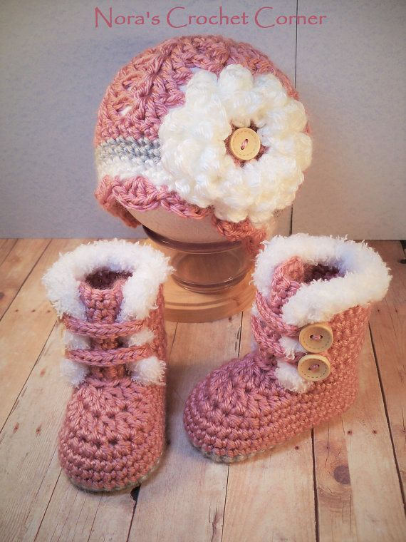 Crochet Baby Girl Fur Trim Boots and Hat with Flower - 321 | Pinterest
