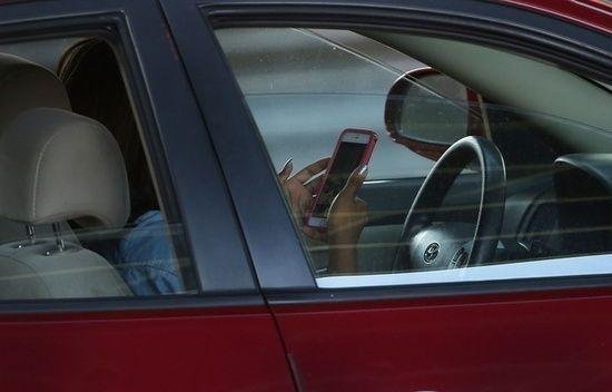 RT @unionroutiere: En 2015956.000 points de permis ont été retirésà des automobilistes pris le téléphone à la main via @20Minutes https://t.co/l0LGrzxJj6