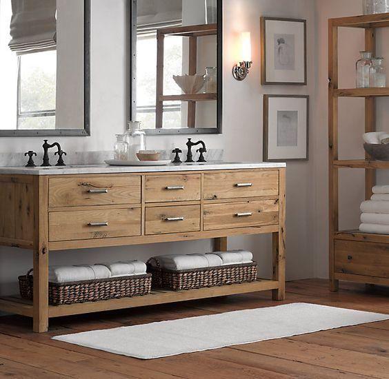 Coole Bad Eitelkeit in einer Mischung aus rustikal und modern, ein