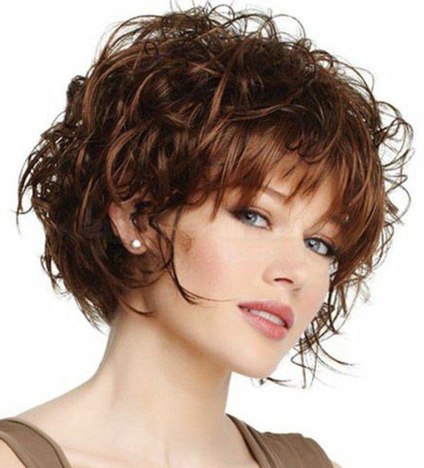 kurzes haar frisuren lockig braun Haarschnitte