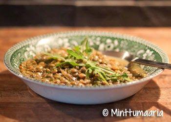 Minttumaarian kokkailua: Vihreä linssi-pinaattikeitto