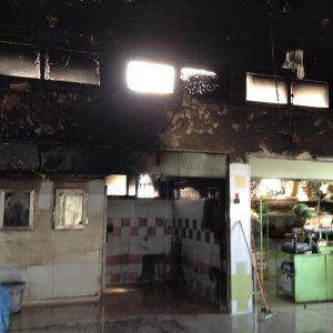 Lavoro Bari  Nella notte ignoti hanno forzato l'ingresso e dato alle fiamme una macelleria. L'allarme lanciato da un passante: distrutti sette box  #LavoroBari #offertelavoro #bari #Puglia Bari attentato incendiario: in fiamme il mercato coperto di Santo Spirito