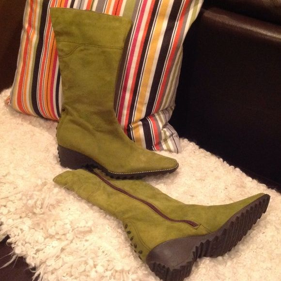 GREAT STYLISH BOOTS FOR EVERYDAY WALKING....size 7 Stylist Boots size 7 Shoes Ankle Boots & Booties