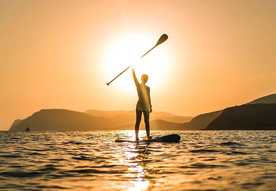 Shine Bright Be In The Sea And Sunsets In Broad Beam Remain To Be The Most Beloved Paddleboardingpictures Inflatable Sup Board Repost Eyemaxi