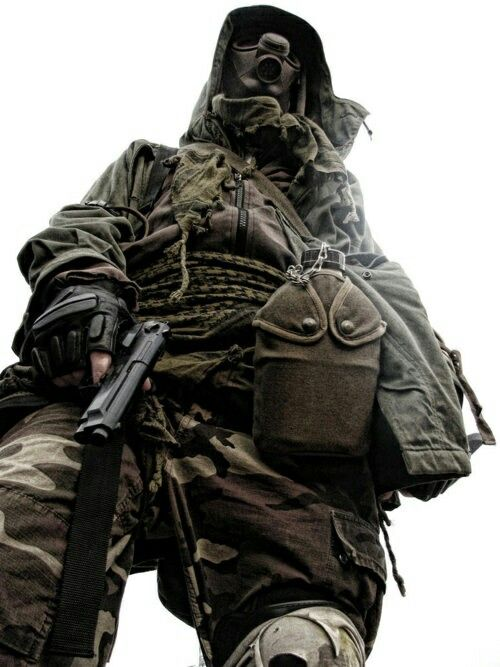 Pin By Ahmed Zamil On Army Post Apocalyptic Fashion Apocalyptic Fashion Post Apocalyptic Costume