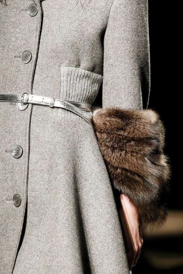 Prada AUTUMN/WINTER 2013-14 READY-TO-WEAR CLOSE UP