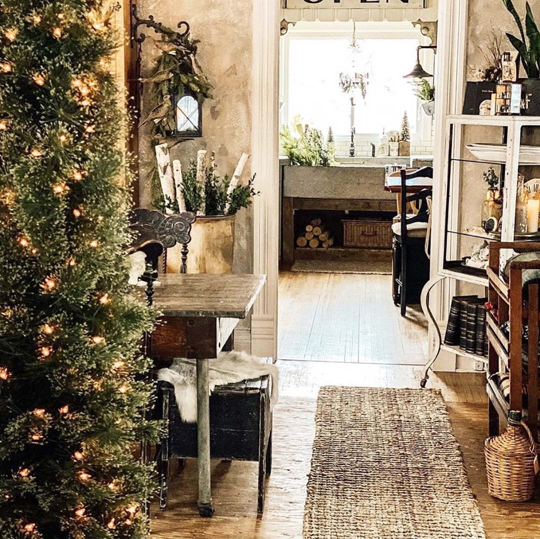 """@savvycityfarmer on Instagram: """"When the frost is on the punkin' ... . . . The trees go up.🌲No ornaments, no decor, no judging🌲love ya #cozy #vintagehome #farmhouse…"""""""
