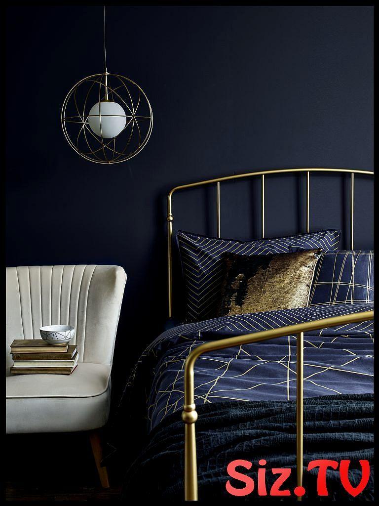 Pinterest S New Favourite Color Scheme Navy Blue Gold Pinterest S New Favourite Color Scheme Navy Blue Gold Certain Colo Dark Bedroom Bedroom Design Home Decor