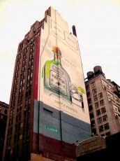 ADVERTISING IN MANHATTAN - 8TH AV