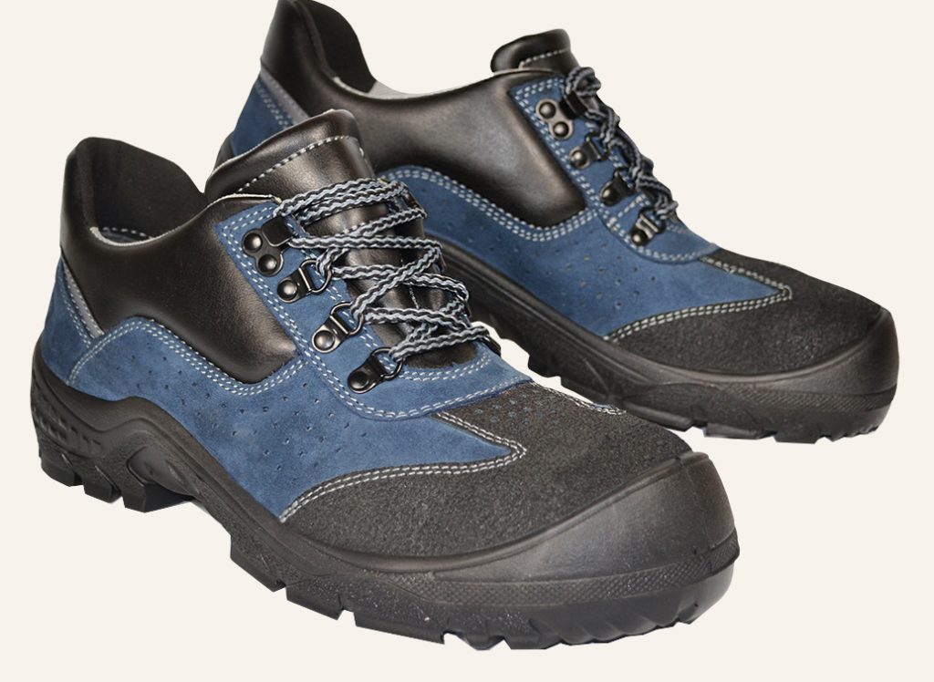 Pin By Piechpol On Polbuty Ochronne Hiking Boots Boots Shoes