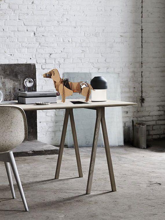 Bassotto di cartone organizzare tavolo mobile di for Appartamento design industriale