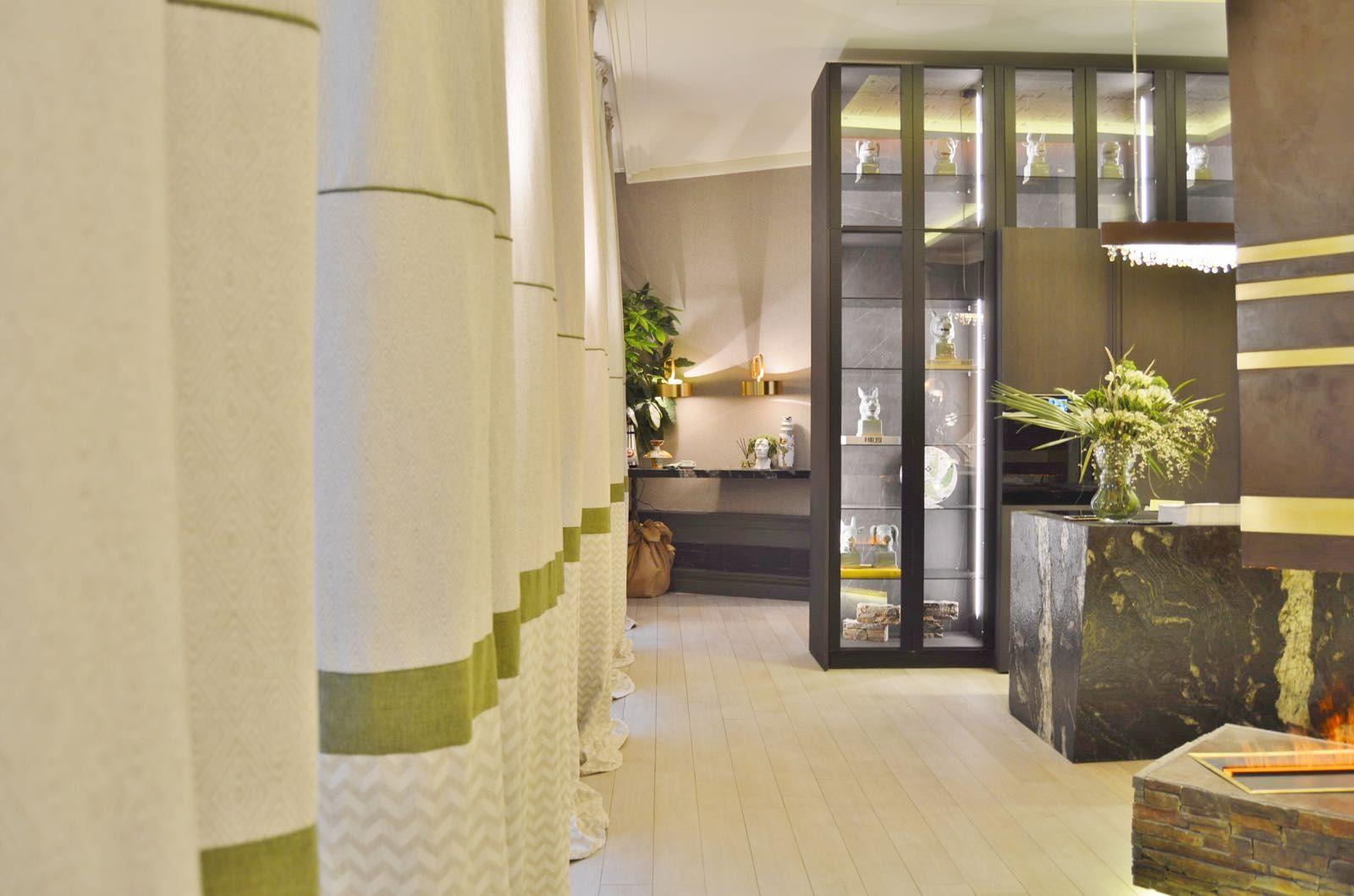 A en casa decor 2018 espacio stone living dise ado por adriana nicolau todos los textiles y - Muebles nicolau ...