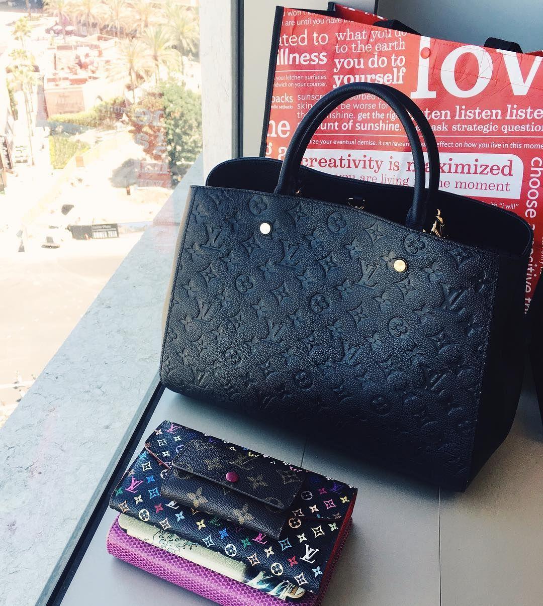 Finally found my perfect work bag Louis Vuitton Montaigne Empreinte GM in  Black Noir 前几个礼拜试了几次chanel shopping tote怎么都觉得不敢放电脑怕包底塌掉 ... cebd58b0e71a7