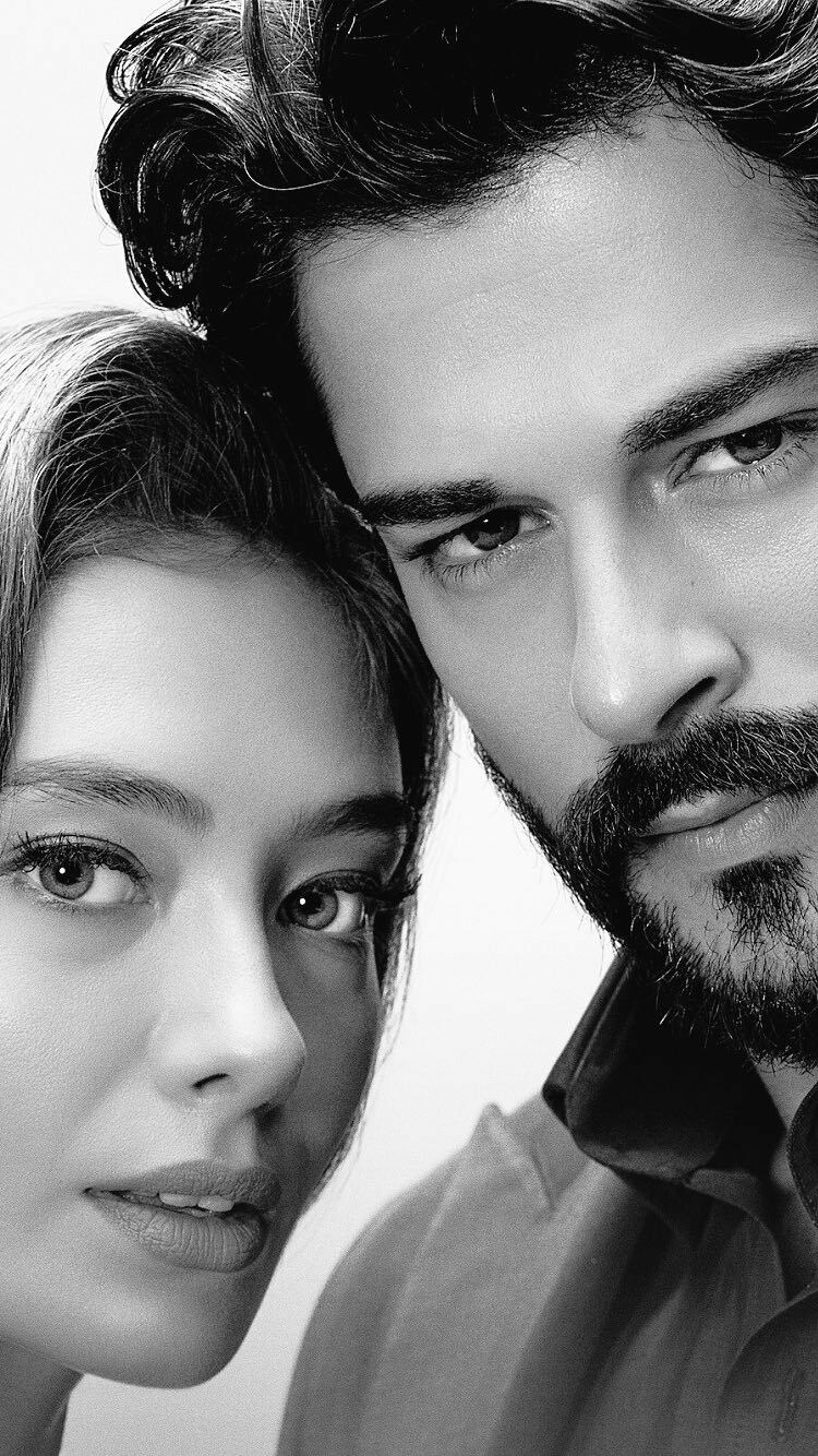 Nihan Neslihan Atagul Y Kemal Burak Ozcivit La Pareja De Ficcion Que Ha Enamorado A Turquia Y A La Industria Tele Turkish Actors Beautiful Men Faces Photo