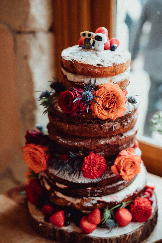 Oxleaze barn wedding unique nature inspired autumnal wedding cakes