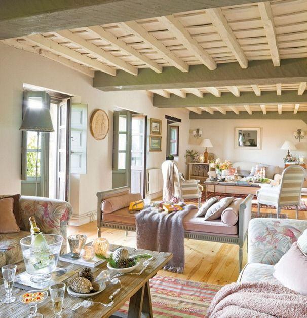 Una Bella Casa Di Campagna Decorata Per Il Natale In Spagna Salotti Di Villetta French Country Cottage Decorazione In Stile Francese Di Campagna