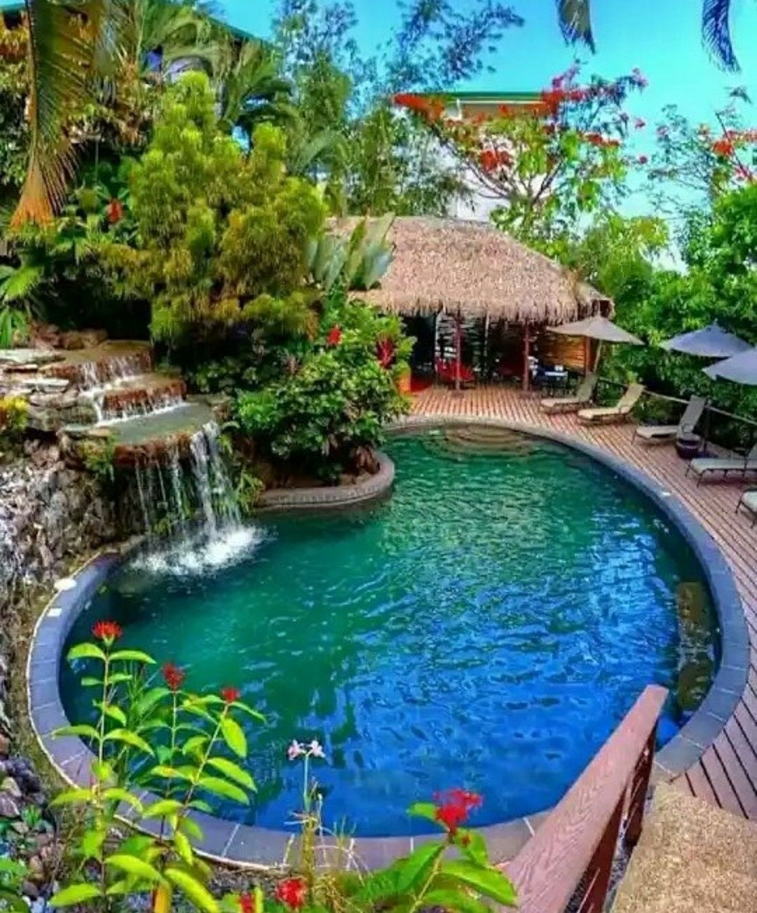 Pin de gl en casas piscine piscines de r ve y belle maison for Casa con piscina fin de semana madrid