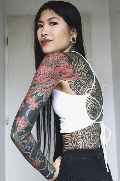 Tattooed femeie datand