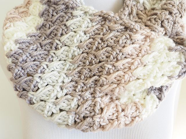 Cross-Over Block Stitch Infinity Scarf | Crochet | Ganchillo, Ropa ...