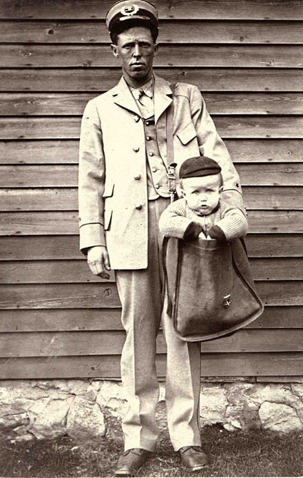 A legal loophole in 1913 made it possible to send babies by mail. These pics were taken after it was banned in 1920.