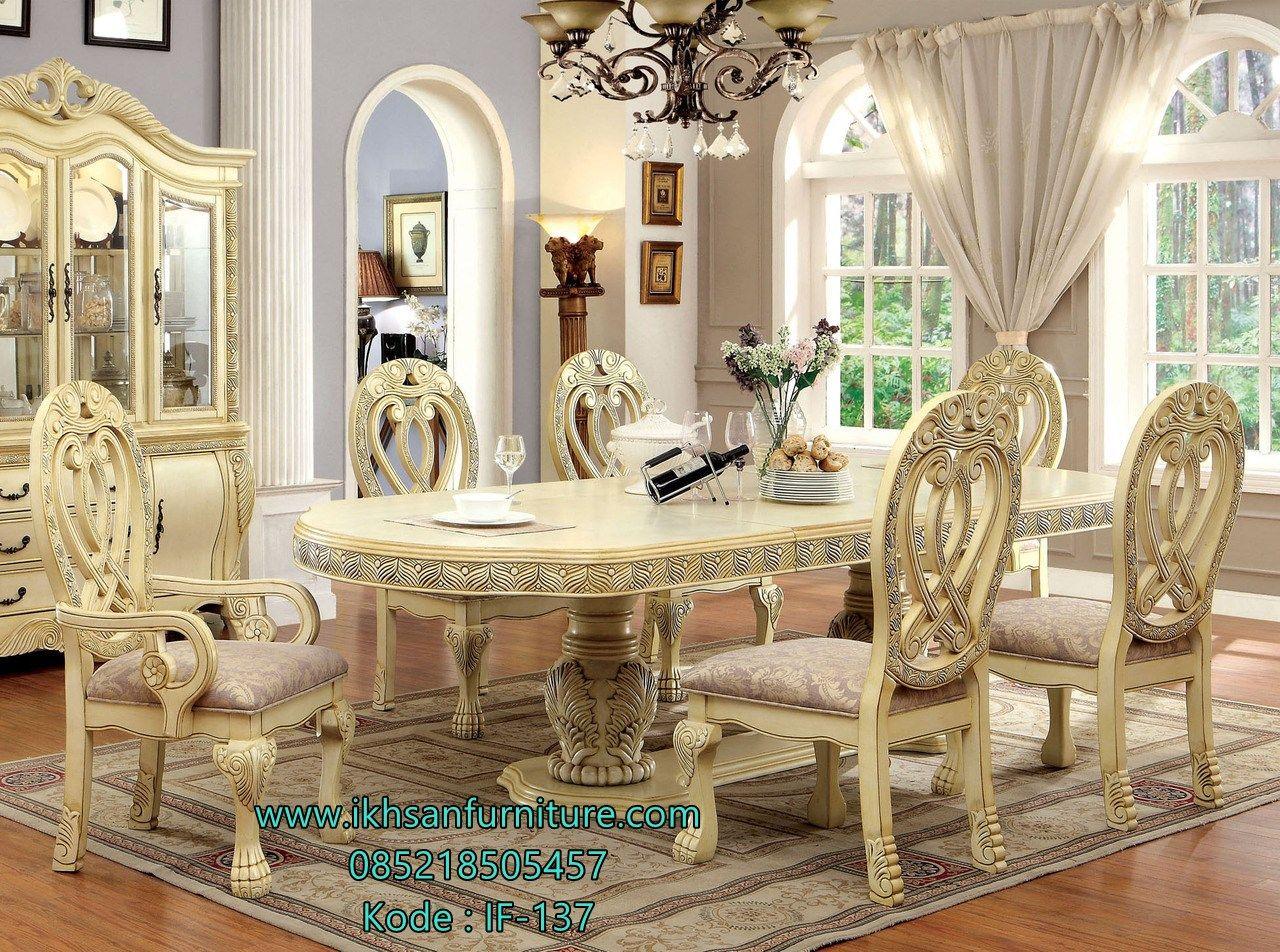 Ruang Makan Mewah Klasik