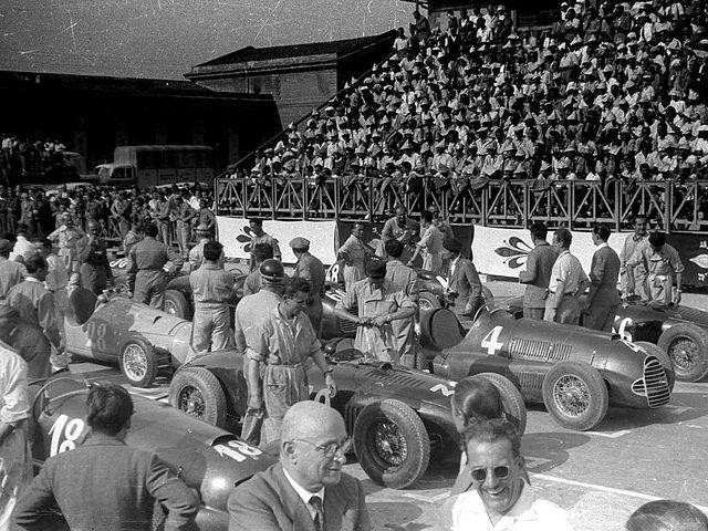 1948 circuito di firenze - biondetti (#18 ferrari) 2nd, serafini (maserati) dnf, sommer (ferrari) 1st, ascari (maserati) dnf, manzon (#28 gordini) dnf, besana (ferrari) dnf, scagliarini (cisitalia) 3rd | by Cor Draijer