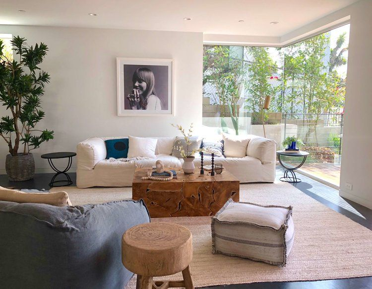 Large Corner Windows In Living Room With Extra Long Sofa California Home Tour Californiahome Corne Living Room Windows Livingroom Layout Living Room Corner