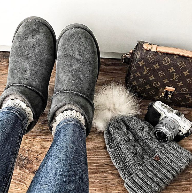 Emu Style Patricia Candy Flowers Accessorising In Style With The Help Of Our Stinger Micro Boots Get Yours He Winter Boots Outfits Ugg Mini Boots Ugg Boots