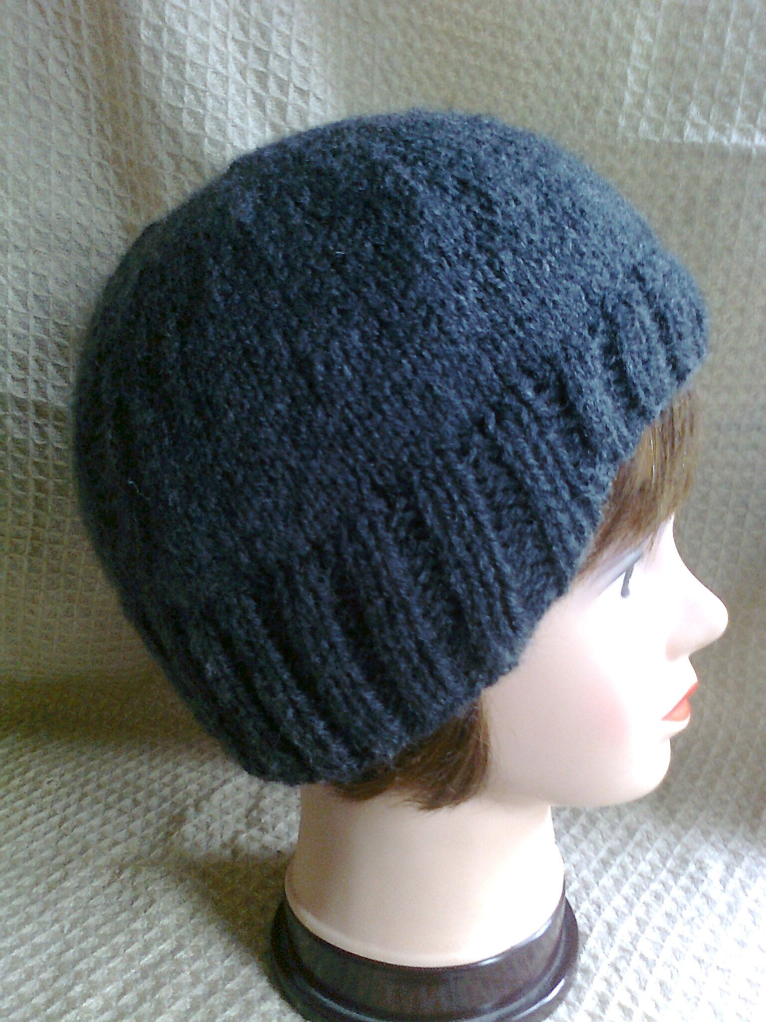Unisex Beanie with a Ribbed Edging to cover ears.