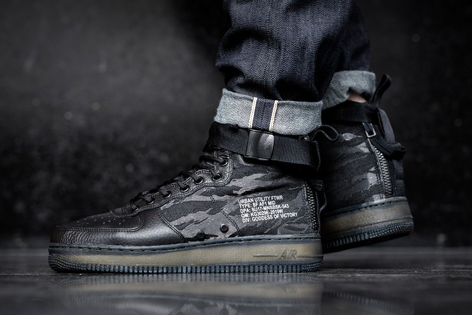 2517816a5b3a An On-Foot Look at the Nike SF-AF1 Mid