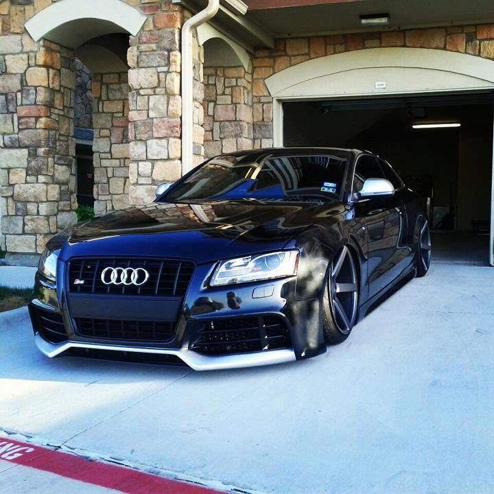 I Just Like The Way This Rolls Out The Garage I Need To See This - Audi car garage