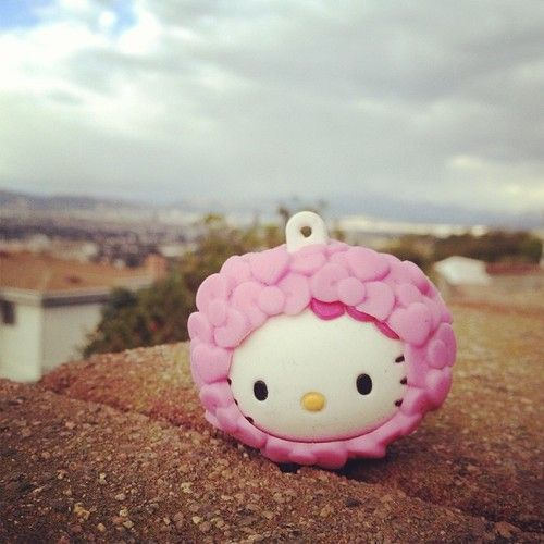 My #hellokitty ribbon head key cover is being retired…