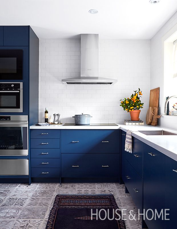 25 Kitchens That Make A Case For Color  Modern Kitchens And New Designer Kitchen Doors Review