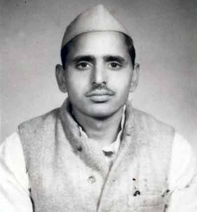 An Old Pic Of Samjawadi Party Leader Mulayam Singh Yadav Ancient Indian History Indian History History Of India
